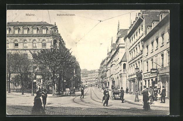 AK Mainz, Passanten in der Bahnhofstrasse