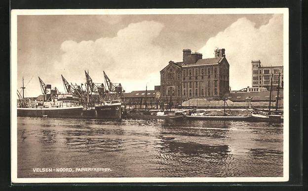 AK Velsen-Noord, Papierfabriek, Blick vom Wasser aus
