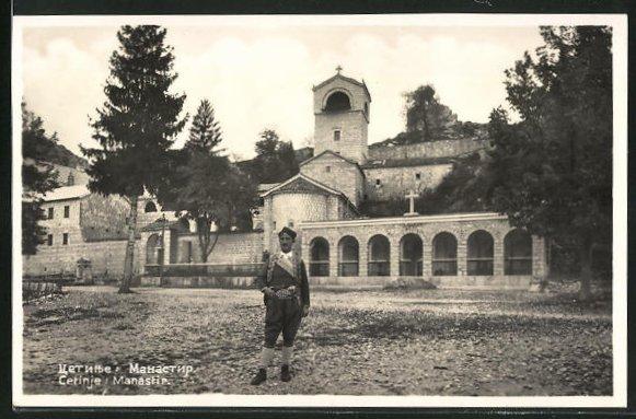 AK Cetinje / Cettigne, Manastir, Mann in Tracht