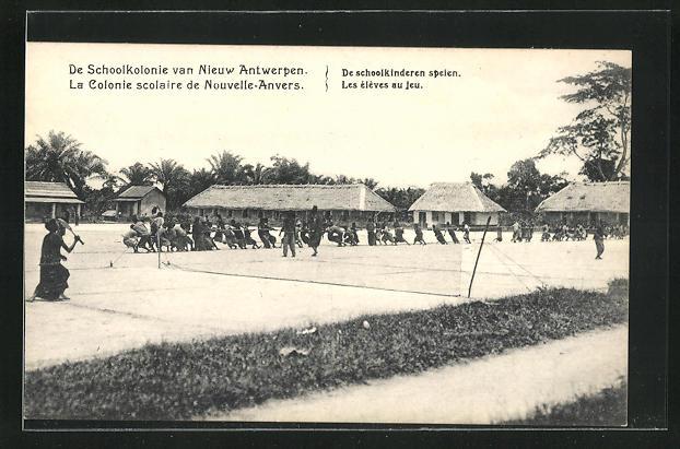 AK Nouvelle-Anvers, La Colonie scolaire, Les élèves au jeu