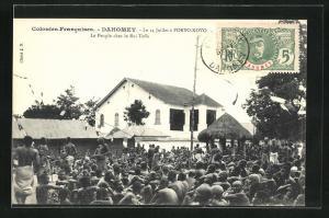 AK Porto-Novo, Le 14 Juillet, Le Peuple chez le Roi Toffa