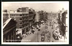 AK Dublin, Westmoreland Street, Strassenpartie mit Strassenbahn