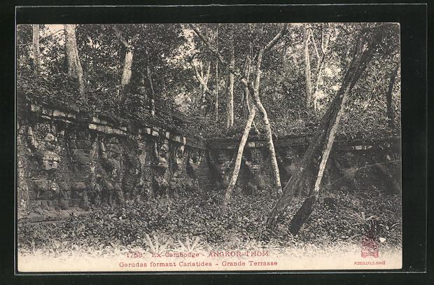 AK Angkor-Thom, Grande Terrasse, Garudas formant Cariatides