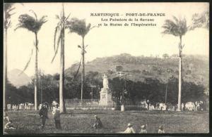 AK Fort-de-France, Les Palmes de la Savane et la Statue de l`Imperatrice
