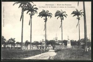 AK Fort-de-France, La Place de la Savane et statue de Josephine