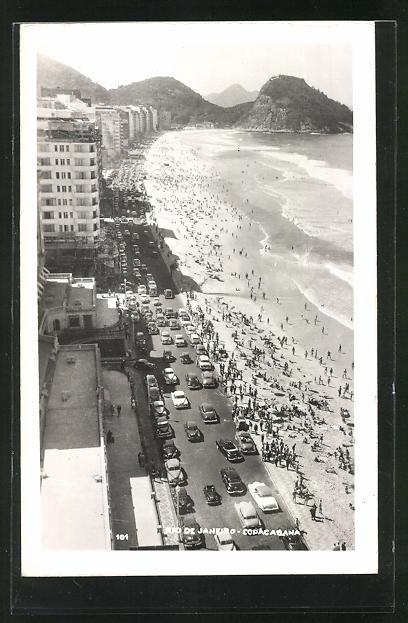 AK Rio de Janeiro, Copacabana, Panoramablick auf den Strand