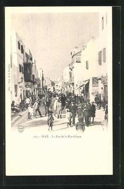 AK Sfax, La Rue de la République 0
