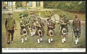 AK The Birmingham Boy Scouts Pipers with their President and Instructor