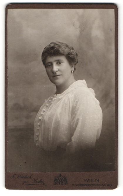 Fotografie J. Krotsch, Wien, Portrait bürgerliche Dame