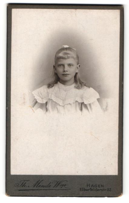 Fotografie Th. Mende Wwe., Hagen, Portrait blondes Mädchen