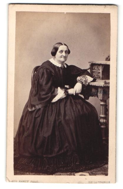 Fotografie A. Erkelenz, Aix-la-Chapelle, Portrait betagte Edeldame, Gründerzeit