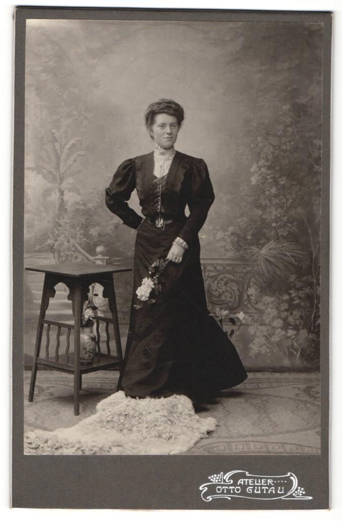 Fotografie Otto Gutau, Berlin-O und Adlershof, Portrait junge gutbürgerliche Dame