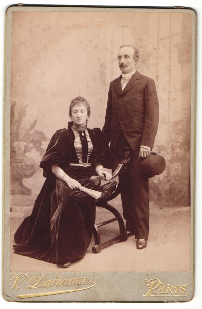 Fotografie V. Daireaux, Paris, Portrait bürgerliche Eheleute