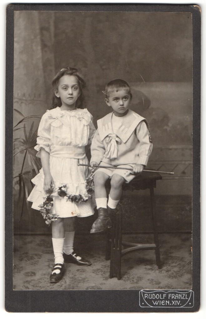 Fotografie Rudolf Franzl, Wien, Portrait Mädchen und kleiner Bruder