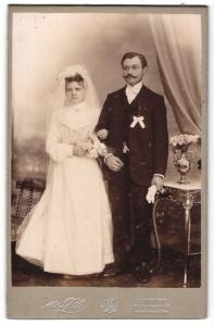Fotografie Atelier Lili, Hamburg, Portrait Braut und Bräutigam, Hochzeit