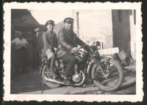 Fotografie Motorrad DKW, Vater & Sohn auf Krad sitzend, Kennzeichen I-31215