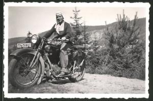 Fotografie Motorrad NSU, Dame mit Haube und Schutzbrille auf Krad, Kennzeichen: Th-51887