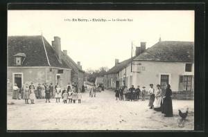 AK Etrechy, La Grande Rue, Häuserfassaden mit Bevölkerung