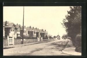 AK Southbourne, Church Rd., Häuserzeile an Strasse