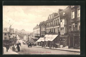 AK Guildford, Passanten und Geschäfte in der High Street