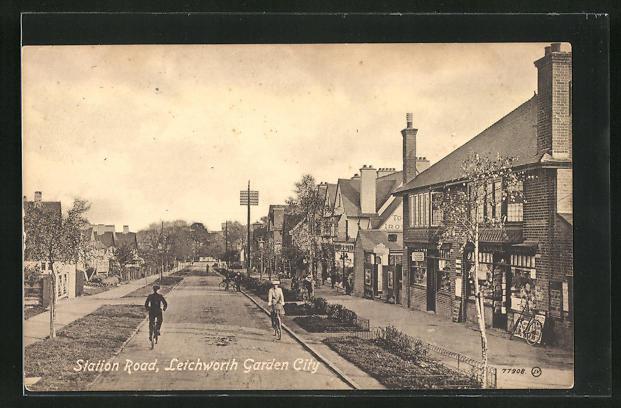 AK Letchworth Garden City, Station Road, Strassenpartie 0