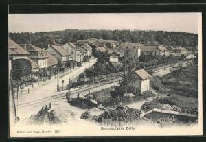 AK Boncourt, Blick auf Eisenbahngleise, Häuser und Landschaft