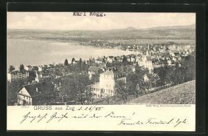 AK Zug, Totalansicht von Anhöhe aus auf Häuser, Kirchturm, Wasser und Landschaft