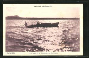 AK Ecuador, le canot de la Mission sur le Rio-Guayas