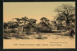 AK Dakar, Dans le Village