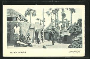 AK Haute-Volta, Vue dans une Village Indigene