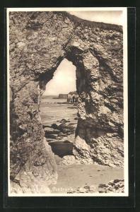 AK Portrush, Th Wishing Arch