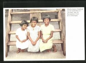 AK Suriname, hindoestaanse kinderen uit het kinderhuis te Alkmaar aan de Suriaamse rivier de Commewijne