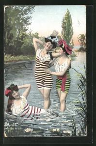 AK drei junge Frauen in Badeanzügen, Montage