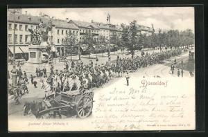AK Düsseldorf, Denkmal Kaiser Wilhelm I. und Parade in der Kaiser Wilhelm-Strasse