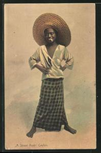 AK Ceylon, A Street Arab, singhalesischer Knabe mit Zigarette