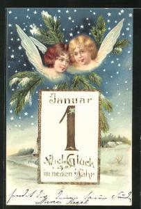 Präge-AK zwei hübsche Neujahrsengel blicken aus dem Sternenhimmel auf den Ort, Kalenderblatt 1. Januar