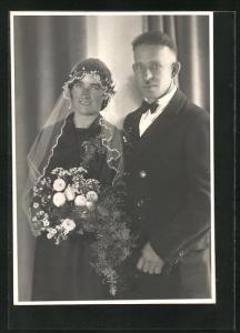 Foto-AK Braut und Bräutigam, Hochzeit