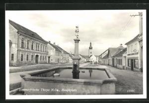 AK Thaya, Hauptplatz mit Brunnen