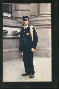 AK London, The Postman, Briefträger in Uniform