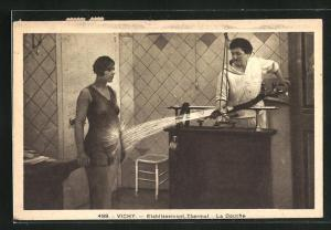 AK Vichy, Etablissementd Thermal, La Douche, Frau im Thermalbad