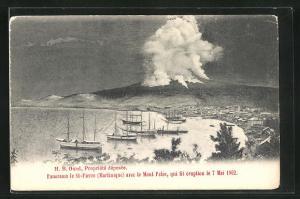 AK St-Pierre, Panorama avec le Mont Pelee, qui fit eruption 1902, Vulkanausbruch