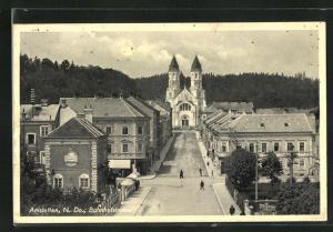 AK Amstetten, Bahnhofstrasse mit Gasthof David Dingl und Herz Jesu Kirche