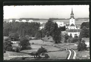 AK Dobersberg a. d. Thaya, Ortsansicht mit Kirche und Bahngleisen