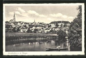 AK Waidhofen a. d. Thaya, Blick vom Flussufer auf den Ort