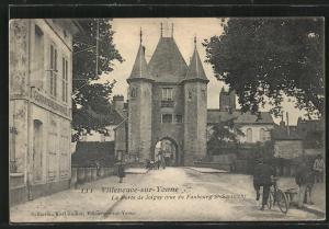 AK Villeneuve-sur-Yonne, La Porte de Joigny, vue du Faubourg St-Savinien