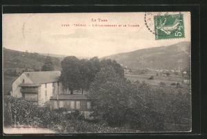 AK Trébas, l'établissement et le village