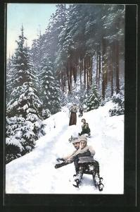 AK Paar auf Rodelbahn im Wald, Schlitten
