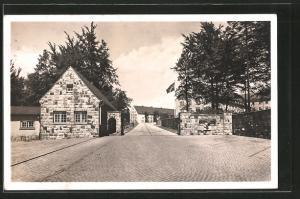 AK Lüdenscheid, Eingang der Flakkaserne, Reichskriegsflagge mit