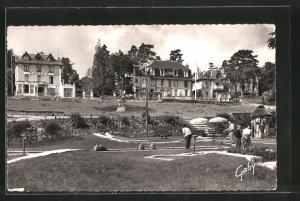 AK Bagnoles-de-l`Orne, Le golf miniature, place centrale, Minigolfanlage