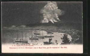 AK Saint-Pierre, Vulkanausbruch 8.5.1902, Nächtliche Ansicht der Stadt am 7.5.1902 vor dem Ausbruch des Mont-Pelé